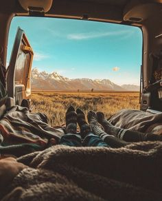 Image in travel collection by Jordin on We Heart It Camping Aesthetic, Travel Aesthetic, Go Camping, Outdoor Camping, Camping Photography, Nature Photography, Dream Dates, Camper Life, Roadtrip