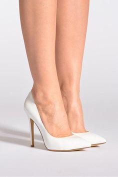 Escarpins blancs La Strada Janie, 59,99€ sur Sarenza.com Stiletto Heels, High Heels, Wedding Shoes, Pumps, Woman Style, Womens Fashion, Wedding Planner, Collection, Wedding