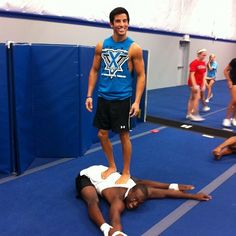So that's how he gets his jumps! and oh heyy there carson rapsilver Cheer Athletics, Cheer Stunts, Cheer Dance, Cheerleading, All Star Cheer, Cheer Mom, Cheer Flexibility, Cheer Stretches, Male Cheerleaders