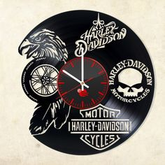 Old Classic Harley-Davidson Motorcycles Vinyl Record Crafts, Vinyl Record Clock, Old Vinyl Records, Record Wall, Vinyl Art, Clock Art, Diy Clock, Clock Ideas, Wall Clocks
