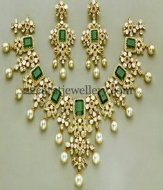 Jewellery Designs: Exclusive and Latest Kundan Necklace India Jewelry, Jewelry Sets, Gold Jewelry, Diamond Jewelry, Kundan Set, Pakistani Jewelry, Indian Jewellery Design, Jewelry Patterns, Glamour