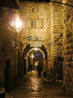 www.tektonministries.org Concept for City of Crowns - Jerusalem old city at night