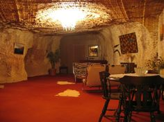 Coober Pedy underground home Underground Living, Underground Homes, Australia Living, South Australia, Different Types Of Houses, House On The Rock, Carpet Flooring, Holiday Destinations, Stuff To Do