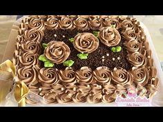 Confeitando c/ bico 1M Wilton - YouTube Pretty Cakes, Beautiful Cakes, Amazing Cakes, Sheet Cakes Decorated, Sheet Cake Designs, Rectangle Cake, Tuxedo Cake, Birthday Sheet Cakes, Cake Recipes