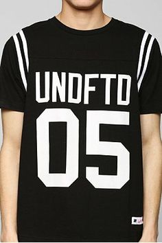 Graphic Tees - Urban Outfitters