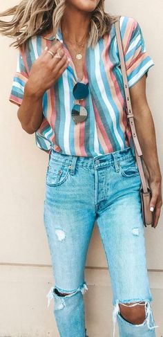 VISIT FOR MORE white pink and gray striped shirt and distressed denim jeans. The post white pink and gray striped shirt and distressed denim jeans. Mode Outfits, Fall Outfits, Casual Outfits, Jeans Outfits, Spring Outfits Women, Spring Fashion Outfits, Dress Casual, Sweater Outfits, Look Fashion