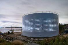 De silo de aceite a centro cultural (en Finlandia) Estas imágenes y el vídeo son de un viejo silo de aceite reconvertido en un espacio cult...