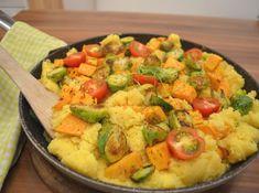 Couscous Pfanne mit Rosenkohl und Süßkartoffel Vegan, Food, Gluten Free Recipes, Vegetarian Recipes, Healthy Recipes, Proper Tasty, Easy Meals, Food Food, Essen