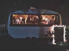 Have you met Tom Collins? A handsome vintage caravan bar serving delicious beverages. Tom Collins, Vintage Caravans, Vintage Trailers, Caravan Bar, Coffee Trailer, Toms, Food Truck Business, Food Vans, Dog Cafe