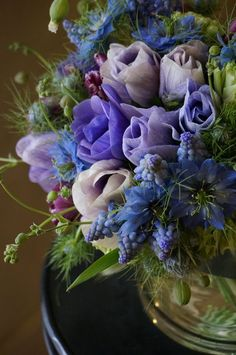 Beautiful floral arrangement in blue & lavender Amazing Flowers, Fresh Flowers, Beautiful Flowers, Purple Flowers, Arrangements Ikebana, Floral Arrangements, Deco Floral, Arte Floral, Bouquet Champetre