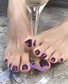 Toe Nail Color, Toe Nail Art, Nail Colors, Pretty Toe Nails, Pretty Toes, Beautiful Toes, Lovely Legs, Pink Pedicure, Purple Toes