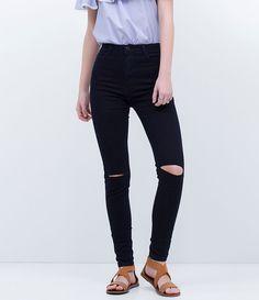 cee22aff1c Calça feminina Modelo super skinny Com recortes nos joelhos Marca  Blue  Steel Tecido  jeans