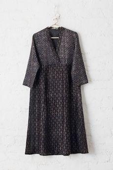 49 new Ideas for sewing projects clothes kimonos fabrics Dress Indian Style, Indian Outfits, Kurti Patterns, Stylish Dress Designs, Kimono Fabric, Kurta Designs, Dress Cuts, Indian Designer Wear, Top Pattern