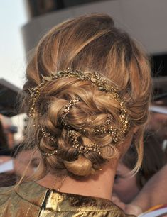 This is it. No more deliberation, I've decided-MY PROM HAIR. with a floral wreath woven in instead of glitter chain, to match my dress, of course.