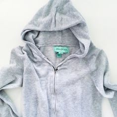 Hollister heather grey hoodie zip up L cute girly Is a size large but fits a small or medium. Very stretchy! Hollister Sweaters