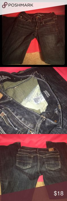 Ladies like new American Eagle artist stretch jean Size 0 short. In great condition. These are from American Eagle and are artist stretch.            C518 American Eagle Outfitters Jeans Boot Cut
