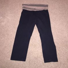 Tarea by Rue 21 yoga capris Size small. Very comfy. Only worn a couple of times. Rue 21 Pants Track Pants & Joggers