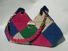 Bolsa criada com  losangos de crochê        ♪ ♪ ...#inspiration_crochet#diyGB