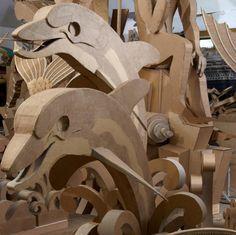 A escultura levou quatro anos para ser concluída e já passou por diversos museus americanos. Atualmente, está em exibiçao na cidade deRidgefield. A mostra se encerra no 12 de maio, quando segundo o artista,as forças da natureza finalmente terminarão dedestruir o trabalho.
