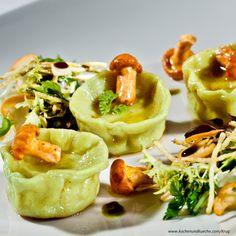 Eierschwammerl Rezepte | Pfifferling Rezepte | Kochen und Küche Ravioli, Side Dishes, Rice, Healthy Recipes, Cooking Recipes, Marinated Mushrooms, Pasta Meals