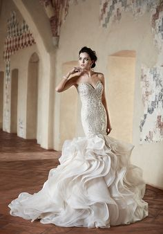 mermaid wedding dresses with feathers - Google Search | Wedding ...