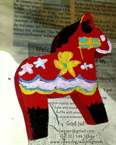 Kids creative decorating Swedish horses - Santa Cruz Scandinavian - Lucia Festival The New Wave, Gandalf, California Beach, Tolkien, The Hobbit, Ronald Mcdonald, Scandinavian, Waves, Horses