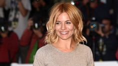 Can this woman do no wrong? We're used to Sienna Miller looking absolutely picture-perfect, but her latest strawberry blonde style is our favourite by far. Get her look following this easy tutorial.