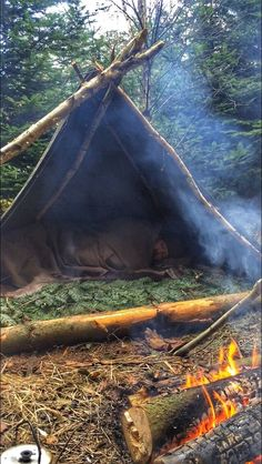 Half polish lavvuu tent, I use a woolblanket with cotton fabric sewed on