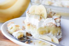 This cool and creamy Banana Pudding Dessert is simple to put together and 'oh so delicious! Make in a square pan or easily double for a dessert! Banana Pudding Desserts, Banana Dessert, No Bake Desserts, Easy Desserts, Pie Recipes, Dessert Recipes, Yummy Recipes, Strawberry Coffee Cakes, Banana Pudding Cheesecake