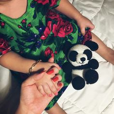 Cute Wallpaper Backgrounds, Cute Wallpapers, Cute Kids, Cute Babies, Beautiful Housewife, Cute Family, Bellisima, Mom And Dad, Baby Photos
