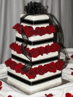 Red & black wedding cake. For my cousins wedding :)