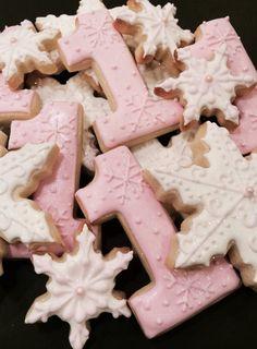 Winter ONEderland Snowflake Cookies 1 Dozen by LaPetiteCookie, $34.00