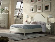 Dormitorio Isabelino de gran calidad formado por 1 cabecero para cama de 150, bancada o aro decorativo, 2 mesitas y un sinfonier, mas módulos de la misma colección en: http://rusticocolonial.es/mueble-clasico/muebles-de-dormitorio-clasicos/busca-tu-mueble-de-dormitorio-clasico-por-colecciones/coleccion-decco