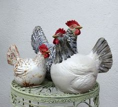 Keramikhühner Ceramic Rooster, Ceramic Birds, Ceramic Animals, Clay Animals, Ceramic Clay, Paper Mache Sculpture, Sculptures Céramiques, Pottery Sculpture, Ceramic Chicken