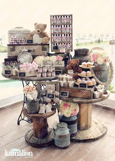 www.kamalion.com.mx - Mesa de Dulces / Candy Bar / Postres / Evento / Blanco & Rosa / White & Pink / Rustic Decor / Dulces / Carrete / Madera / Lecheros / Maletas / Baby Shower / Its a gril / Osos / Bear.