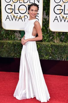 Alicia Vikander in Louis Vuitton at the 73rd Golden Globe Awards (2016)