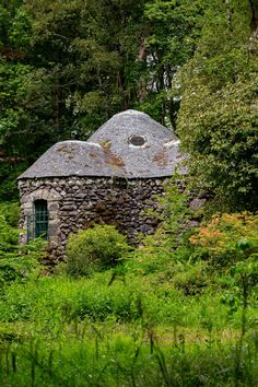 Hidden in a shrubbery near the main House at Curraghmore, is the most enchanting Shell House, created by Catherine Countess of Tyrone Rare Shells