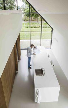 Imagen 2 de 15 de la galería de Modern Countryside Villa / Maas architecten. Fotografía de Edith Verhoeven