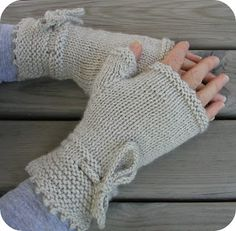 Hand Knitted Things - Patterns: The Piano Gloves Knitting Pattern