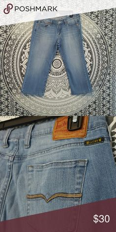 Lucky brand cropped jeans! Lucky brand cropped jeans. Size 8/29, in great condition. Will bundle  (: Lucky Brand Jeans Ankle & Cropped