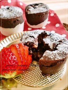 「【バレンタイン】苺のフォンダンショコラ」ぽむさん | お菓子・パンのレシピや作り方【corecle*コレクル】