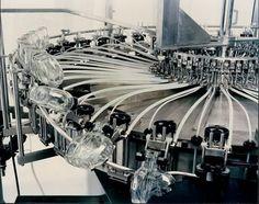 Blow-molding machine for PET bottles 3 000 - 90 000 p/h AVE TECHNOLOGIES S.r.l.