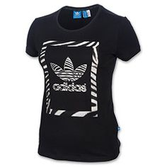 <p>Rock a standout look in the adidas Originals Trefoil Zebra T-Shirt. This versatile, iconic tee can be worn with skinnies or leggings, and of course your favorite kicks for easygoing style.  </p><p>Front and center is the widely recognizable adidas Trefoil design that contrasts boldly with the bright background. Made of 100% cotton single  jersey, this tee is as comfy as they come, plus the slim fit flatters you in all the right places.</p><p>How do you wear your adidas Orignals Trefoil…