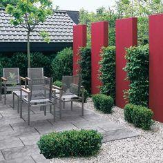 Découvrez les dernières tendances pour les clôtures et brise-vues. Protégez votre jardin des intrusions et des regards indiscrets grâce à des modèles modernes.