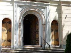 Miskolc synagogue doors
