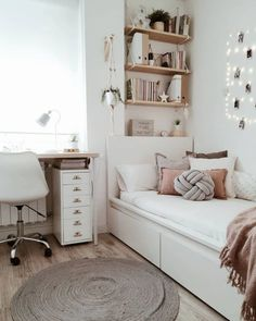 Cute Bedroom Decor, Stylish Bedroom, Room Ideas Bedroom, Small Room Bedroom, Bedroom Ideas For Small Rooms For Teens, Cozy Teen Bedroom, Bedroom Office Combo, Tiny Bedroom Design, Small Girls Bedrooms