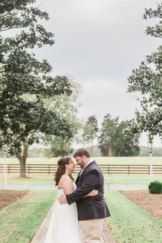 Why a First look and awesome, and why you should have one!  #firstlook #weddingphotography