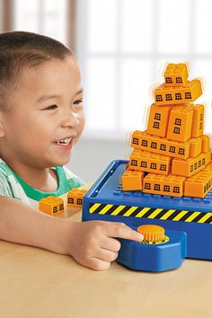 30 BUY NOW This Kit Challenges Kids To Build A Structure That Can Withstand An Earthquake
