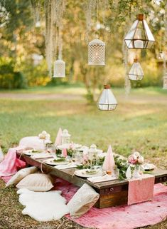 Hosting a holiday party or girls winter gathering? How about making it a pink boho Christmas occasion complete with pink table decor and pink hot cocoa? Pink Table Decorations, Garden Party Decorations, Boho Garden Party, Summer Garden, Boho Hen Party, Rustic Tea Party, Gypsy Party, Lantern Decorations, Bohemian Party