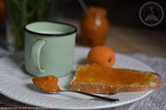 Recept je veľmi jednoduchý a rýchly, žiadne dlhé varenie a miešanie, žiadny cukor ani chémia, len čistá chuť marhúľ, ktorú si vychutnáte aj v zime. Tak si preč